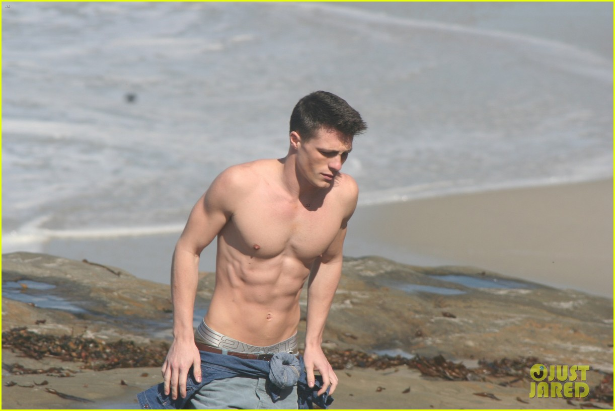 colton-haynes-shirtless-07
