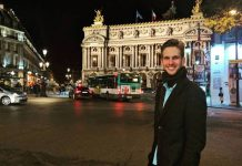 O modelo e youtuber Paul Cabannes em Paris