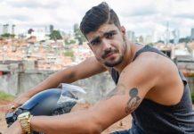 """Caio Castro raspa a cabeça em cena final da novela """"I Love Paraisópolis"""""""