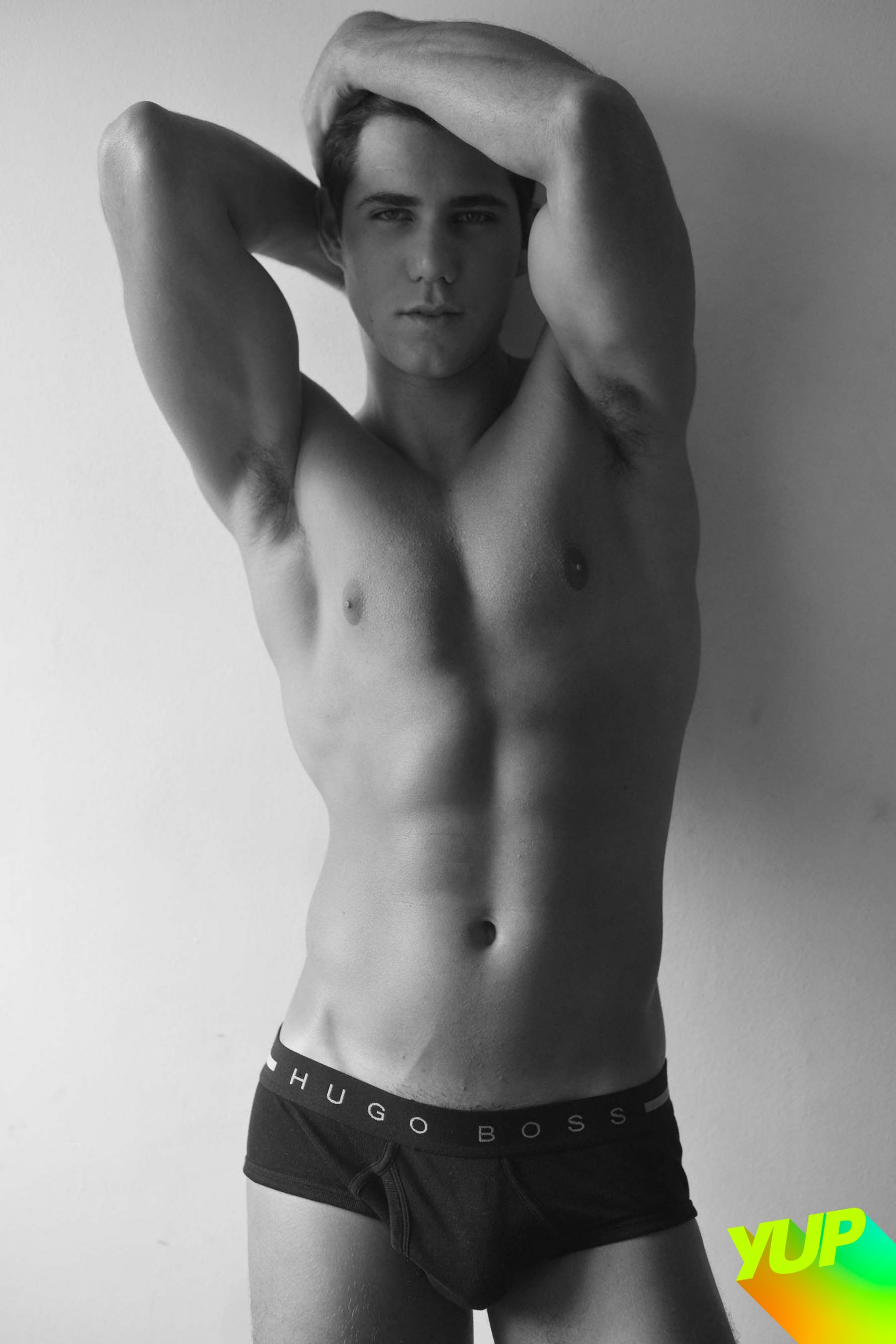 The brazilian model Guilherme Scopel appeared with his beauty and a little more without the practice of the photographic essay of Rodrigo Marconatto, published with exclusivity on the yup-mag.com