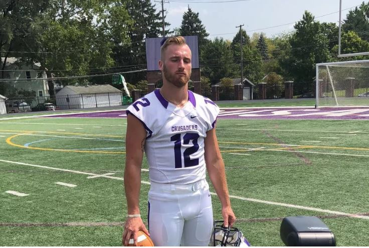 Wyatt Pertuset is a wide receiver and punter for Capital University. Foto: reprodução