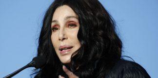 """""""Bolsonaro é um porco e deveria ser preso"""", diz Cher"""