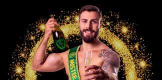 """Gabriel Ximenez, que tem 8% de gordura em seu corpode 77 quilogramas, foi eleito o homem mais bonito do Brasil no concurso """"Miss e Mister Brasil 2018"""""""