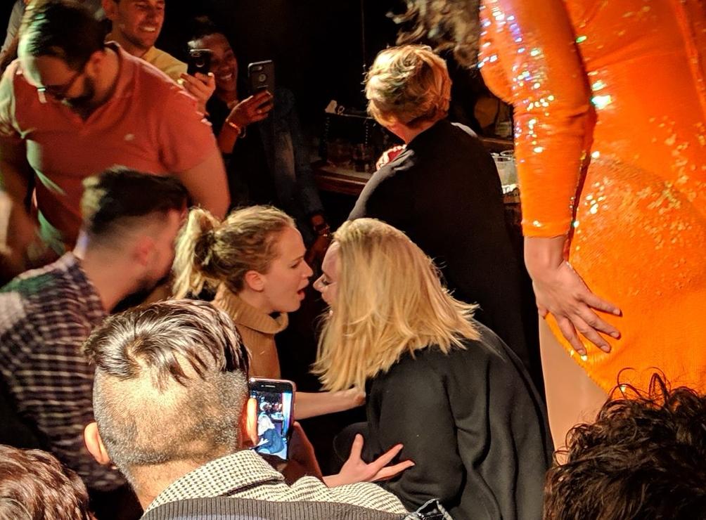 Jennifer e Adele. Foto: reprodução/Twitter