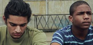 """Tales Ordakji e Christian Malheiros em cena do longa-metragem """"Sócrates"""""""