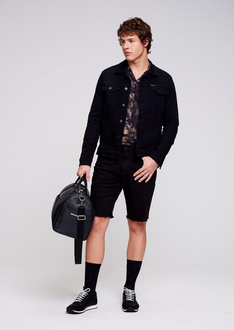 Calvin Klein lança coleção de Primavera Verão 19