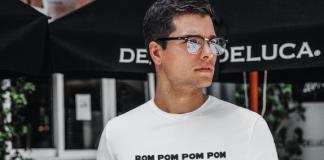 Camiseta Rom Pom Pom Pom | Loja das Pocs