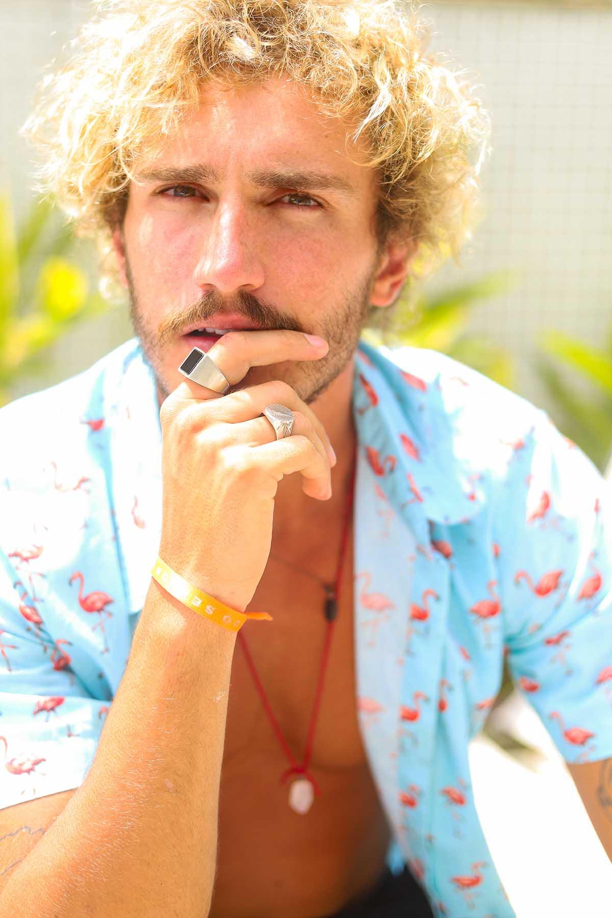 Alan Possamai do BBB19, faz sua estreia no mercado internacional de modelos