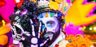 Criada em 2016, a Posers inicialmente surgiu com a proposta de realizar performances para o público LGBT+