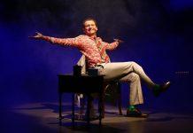 Ed Moraes encerra a temporada do espetáculo 'Eu Não Sou Harvey' no Sesc Pinheiros (SP)