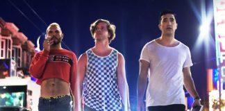 """Disponível no NOW, """"Nos Becos de São Francisco"""" aborda o universo das relações LGBTQ e chegou ao primeiro lugar entre os mais vendidos da TLA Video Store"""