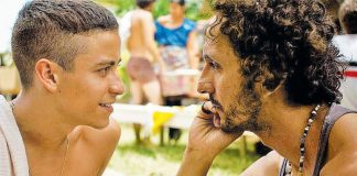 """Longa """"Tatuagem"""", protagonizado por Jesuíta Barbosa e Irandhir Santos, liberado gratuitamente no streaming"""