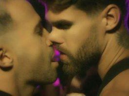 "Rodrigo Massa e Rodrigo Malafaia protagonizam romance fugaz no clipe ""La Fiesta"""