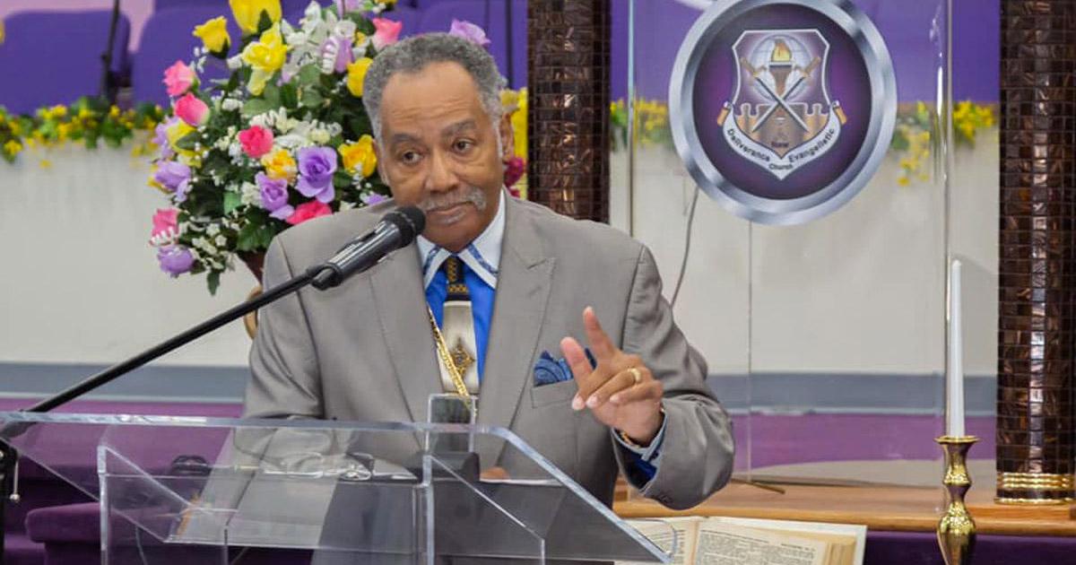 Pastor homofóbico que disse não concordar com a quarentena morreu de covid-19