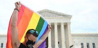 A decisão da Suprema Corte deverá ter grande impacto nos estimados 11,3 milhões de LGBTs de todo o país — Foto: Jim Watson/AFP