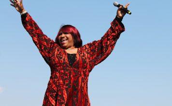 Pepper Mashay: a vovó diva do bate-cabelo que reina nas baladas gays do mundo tod