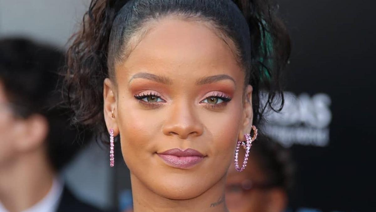 Rihanna deve deixar de lado o lançamento do novo álbum para focar na linha de produtos