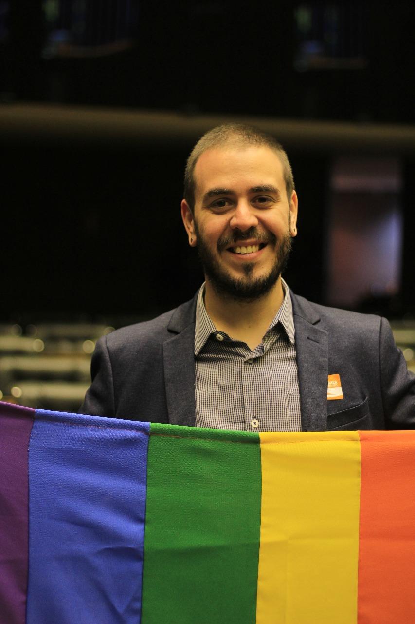 https://gay.blog.br/noticias/apos-mais-de-30-ameacas-de-morte-este-desafio-nao-me-amedronta-diz-pre-candidato-gay/
