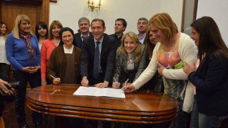 Argentina inaugura primeiro condomínio social destinado às mulheres trans