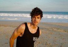 Caetano Veloso ajudou irmão de Luciano Huck a se aceitar gay