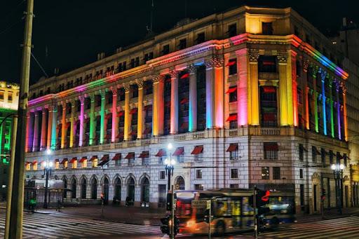 Donativos para LGBTs em situação de vulnerabilidade serão arrecadados pela Secretaria da Justiça no Shopping Light