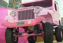 """Jeep rosa """"GAY 0024"""" foi barrado pela Parada SP para """"não reforçar preconceitos"""""""