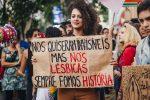 30% das lésbicas não se sentem confortáveis em expressar sua sexualidade no ambiente de trabalho