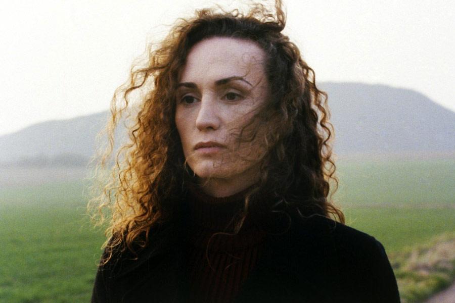 Stéphanie Michelini protagonizou Lado Selvagem