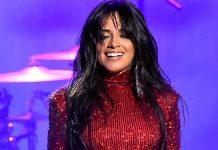 """Camila Cabello faz coreografia de """"Bomba"""", hit que fez sucesso com """"Braga Boys""""; assista"""