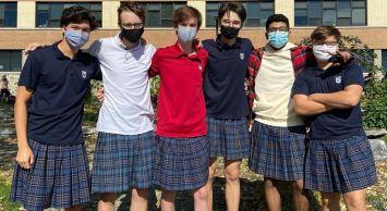 Meninos vão de saia à escola protestar contra homofobia e sexismo