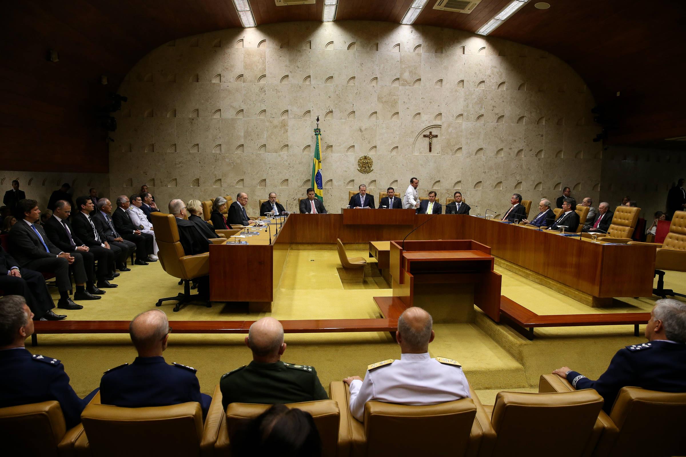 AGU pede STF para esclarecer se criminalização da homofobia não fere outras liberdades