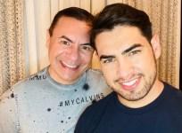"""Casal """"Vidinha"""" conquista 300 mil seguidores com rotina bem-humorada"""