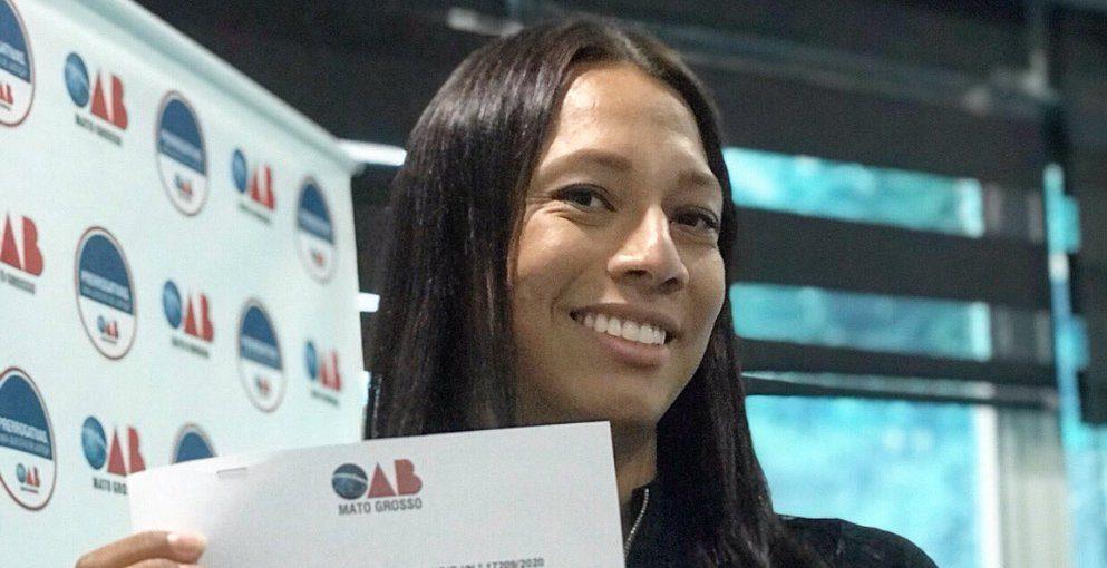 """Mulher trans comemora registro na OAB do Mato Grosso: """"amigas trans, essa inscrição é de todas vocês"""""""