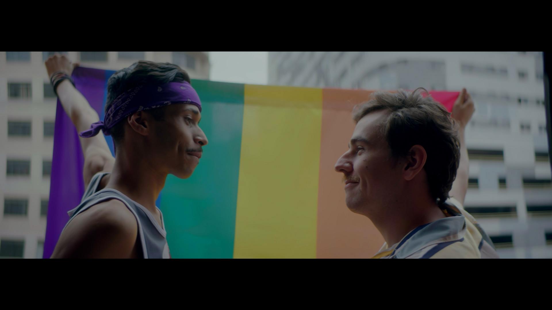 Parada LGBT da Bahia alerta sobre homotransfobia no convívio familiar durante a pandemia