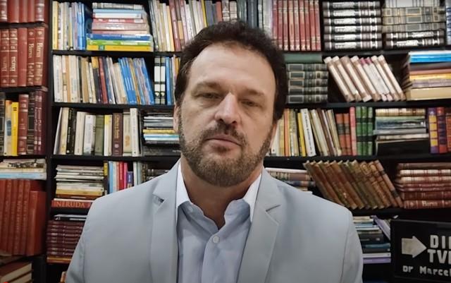 """Candidato que associou vacina contra coronavírus à """"homossexualismo"""" pode pegar cinco anos de cadeia"""