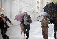 """Ativo deixa 4 passivos esperando na chuva: """"Só entrou o primeiro que chegou no local"""""""