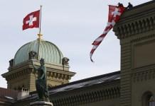 Suíça aprova casamento gay; cristãos são contra