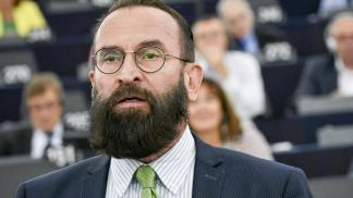 Deputado contrário aos direitos LGBT+ renuncia mandato após orgia com 25 homens