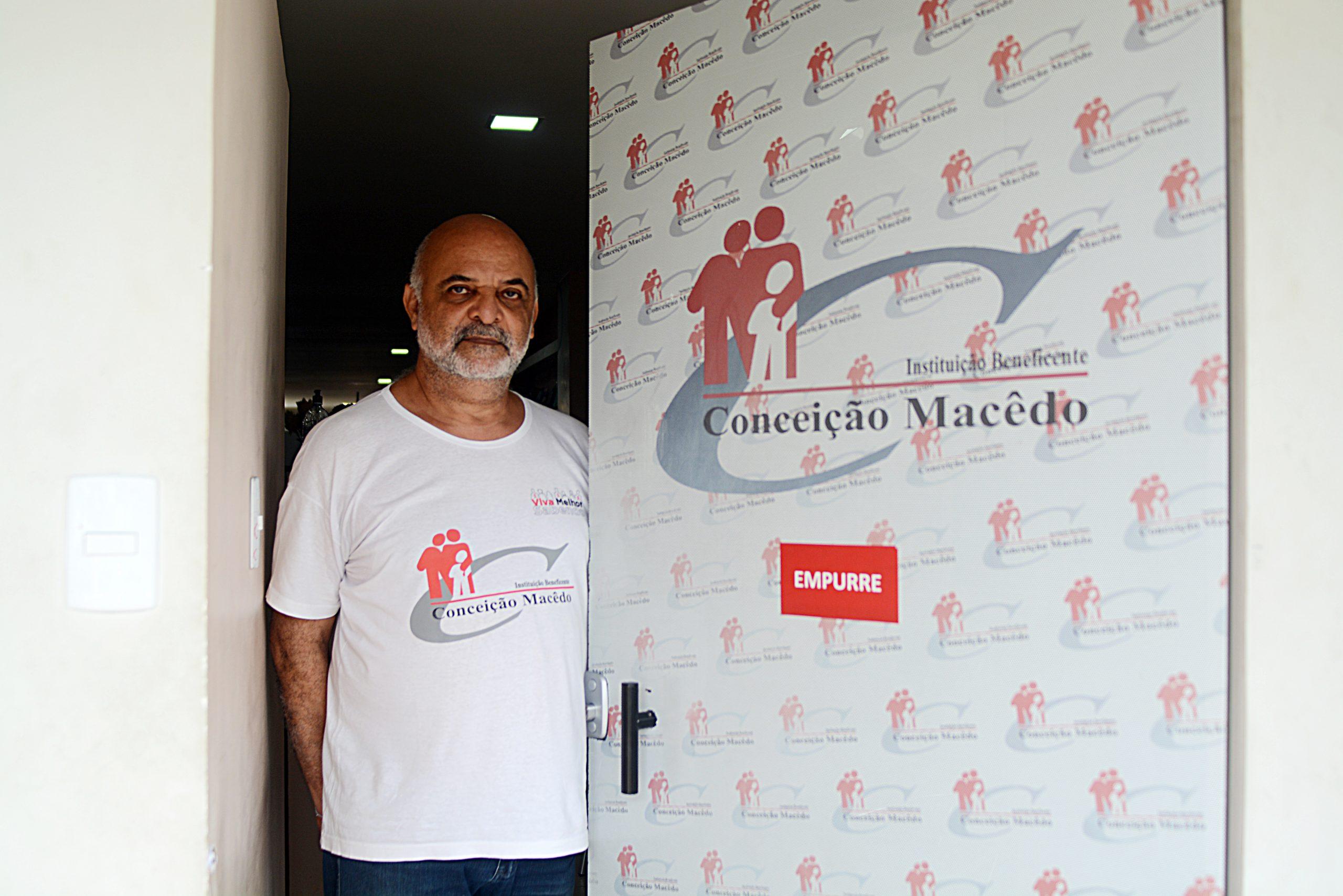 Padre Alfredo Dórea, responsável pela IBCM (Foto: Jefferson Peixoto)