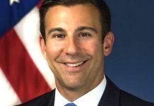Joe Biden nomeia mais um membro abertamente gay para seu governo