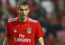 Jogador de futebol do Benfica, Ferro aparece nu em transmissão ao vivo