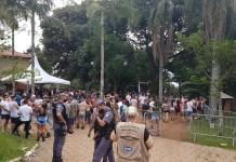 PM interrompe festa clandestina com 800 pessoas; ingressos custavam R$ 100,00