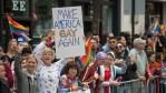 Sob a administração Trump, ativistas argumentam que a comunidade LGBT enfrentou vários reveses enquanto a Casa Branca tentava mudar as políticas postas em prática pelo presidente Obama. JOSH EDELSON / AFP / GETTY IMAGES