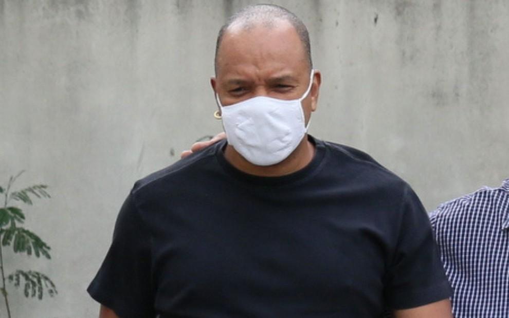 Vocalista do grupo Molejo, Anderson Leonardo prestou depoimento nesta sexta (5) no Rio de Janeiro - Reprodução/Notícias da TV