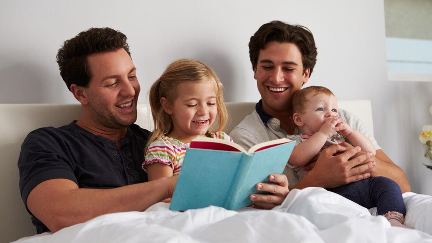 Estudo conclui que filhos de casais gays se saem melhor nas escolas
