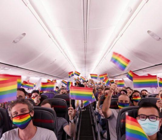 """Companhia aérea Virgin realiza o primeiro """"Voo do Orgulho"""""""