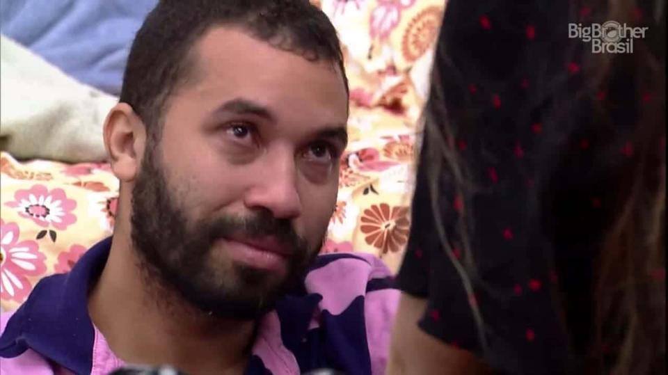 "Mãe de Gilberto diz que ele escondeu a sexualidade a vida toda: ""Mas eu sempre soube"""