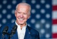 Joe Biden posta vídeo com beijo gay em seu Instagram
