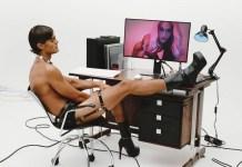Pabllo Vittar faz ensaio sensual com Iago Botelho para revista internacional